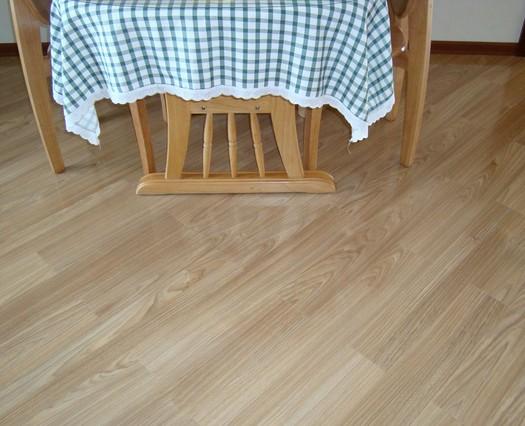 强化木地板,实木复合地板,竹地板和软木地板等5大类中.