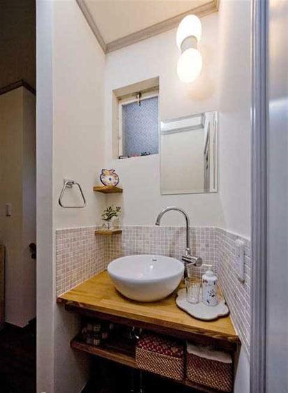 日式风格浴室装修,原木80平小户型装修效果图.图片