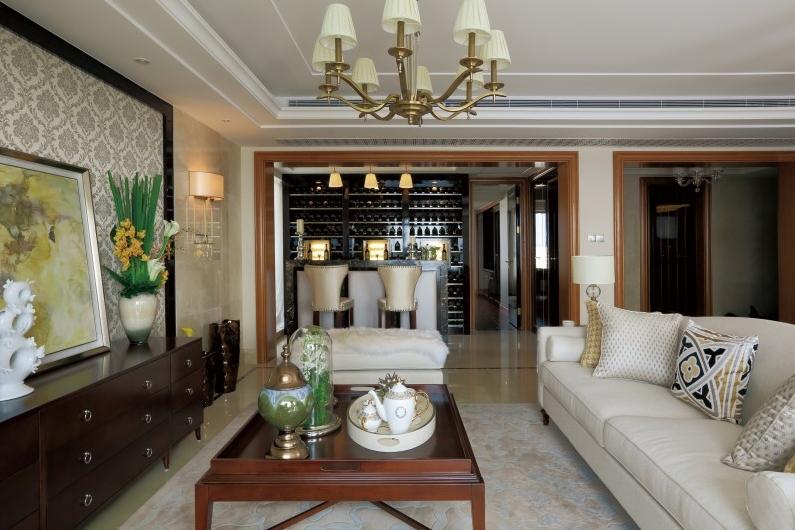 客厅装修 欧式风格客厅装修欣赏       客厅装修效果图五:蓝色的印花