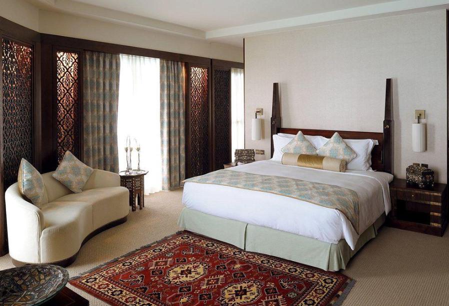 这家酒店除了地理位置优越与哈利法塔和迪拜购物中心毗邻,最大的