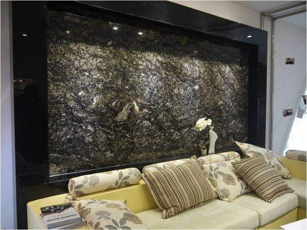 大理石由于其花纹的丰富多彩性,加上放射性较少,对于人体的伤害比较小