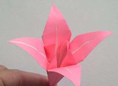 家居diy:你懂百合花的折法吗?学起来!