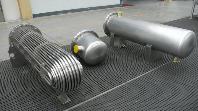 双纹管容积式换热器是一种全新的容积式换热器,它不仅采用了先进的双图片