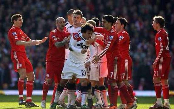 利物浦为什么叫马桶的由来(请收下我的膝盖)
