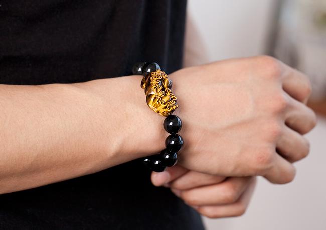 黑曜石貔貅戴哪只手好 黑曜石貔貅手链戴法