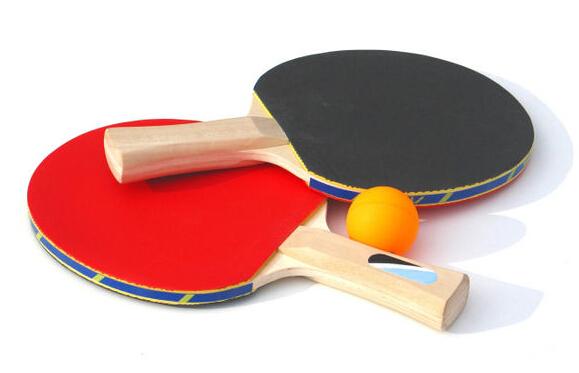 乒乓球拍什么牌子好?乒乓球有哪些品牌,热爱乒乓球运动的人一定要有一副好拍子,爱装网小编为你带来乒乓球拍品牌排名介绍。  1、蝴蝶乒乓球拍 蝴蝶乒乓球拍是世界第一品牌,其是采用的ZL碳素纤维,是一款拥有高反弹力和有机纤维,并将高强度、高弹性、轻量融于一体的,还加上蝴蝶公司自创的特殊编制方法产生的新的碳素纤维,具有能攻能守得非常全面的高性能;蝴蝶乒乓球拍的底板也是堪称世界第一!