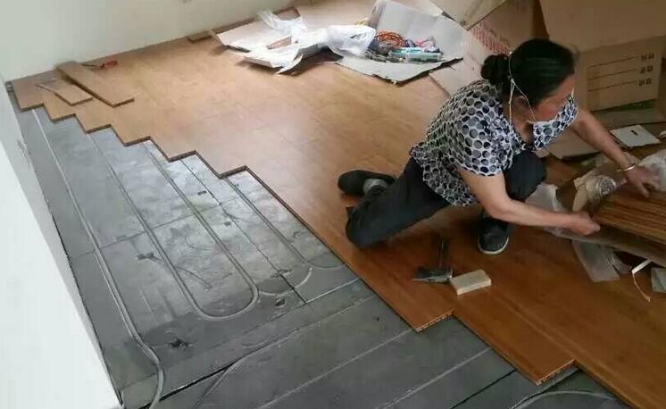 纯实木地板地热安装方法