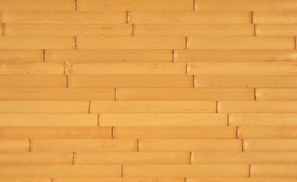 竹木地板是竹材与木材复合再生产物,一般它的面板和底板采用的是上好的竹材,而其芯层多为杉木、樟木等木材,经过一系列的防腐、防蚀、防潮、高压、高温以及胶合、旋磨等近40道繁复工序,才能制作成为一种新型的复合地板。    竹木地板的特点   1、质感特别。作为地面材料,坚实而富弹性,冬暖而夏凉,自然而高雅,舒适而安全。   2、装饰性好。色泽丰富,纹理美观,装饰形式多样。   3、物理性能好。有一定硬度但又具一定弹性,绝热绝缘,隔音防潮,不易老化。   竹木地板的优缺点   1、性能优越:竹木地板外观自然清