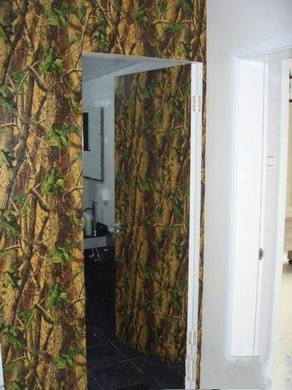 欧式风格手绘墙油画卫生间厕所隐形门设计图片