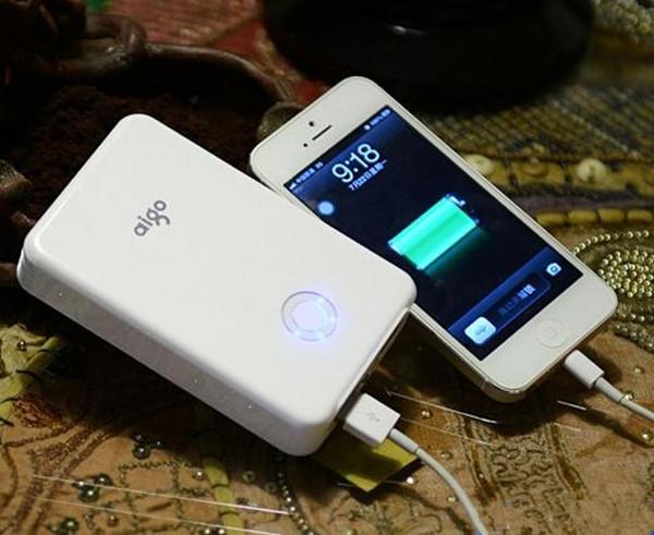 如何买优质移动电源充电宝
