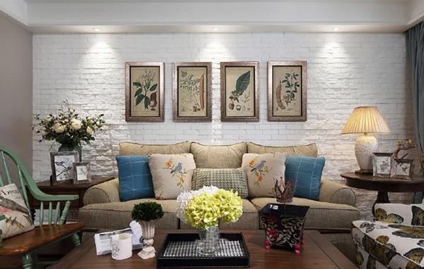 小美式风格是现代美式风格的一个分支,一般来讲,面积比较小的户型,不适合美式家具大气感的呈现,因此喜欢美式风格的人针对小户型设计的装修风格,家具及配饰,通常称为小美式风格。小美式家具不同于宽大的纯美式家...