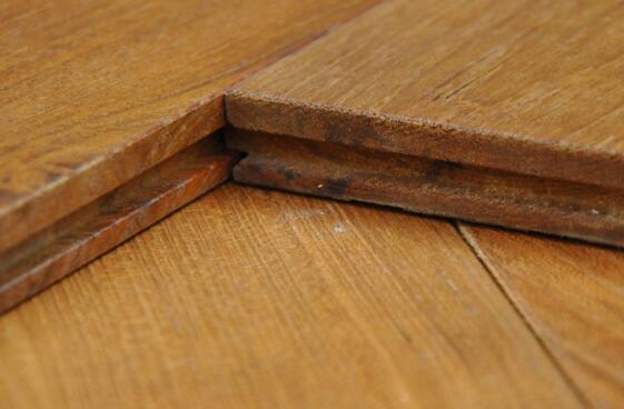 三层实木地板的优缺点
