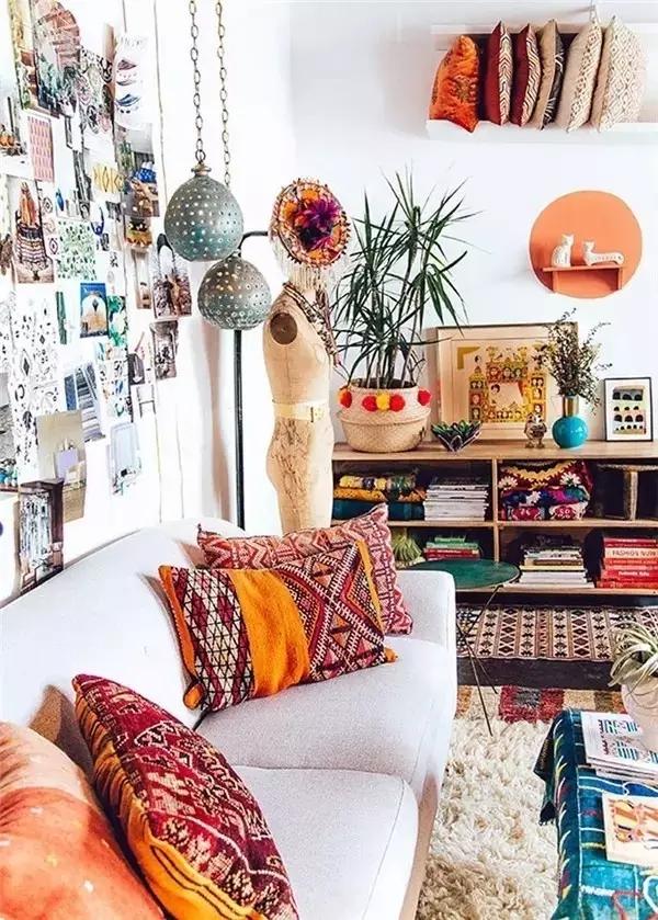 波西米亚风格的家居设计整体散发着异域的气息,大量运用了纺织品,艺