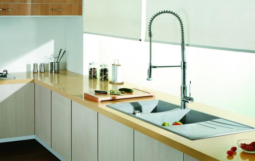 给灶台洗个脸!厨房清洁三个妙招图片