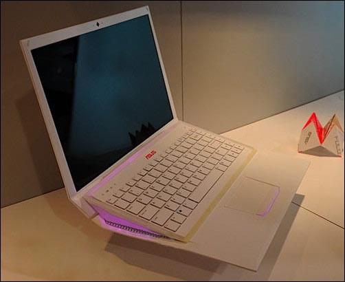 华硕笔记本            华硕的笔记本电脑提供两年国际联保(电池一年)