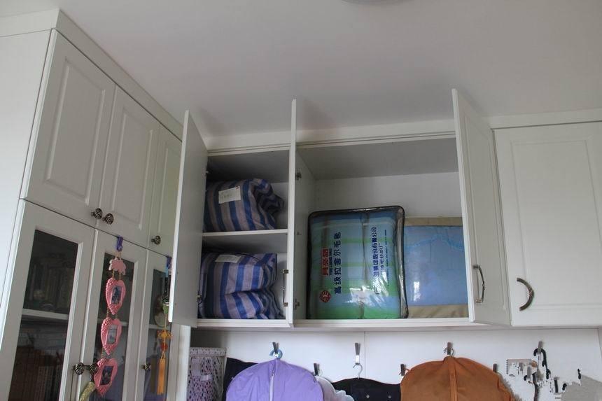 主卧套内书房设计效果图