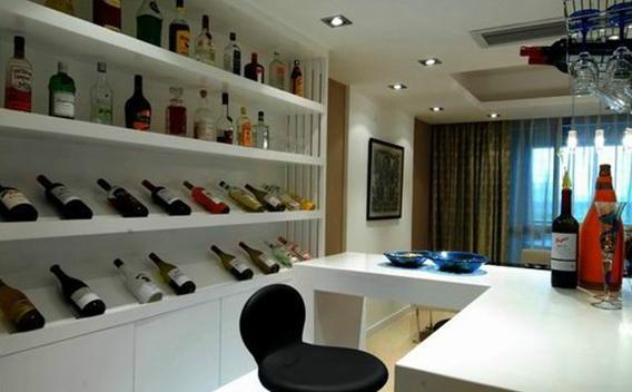 这就是酒的魅力,也是这款厨房酒柜隔断效果图的魅力所在.图片