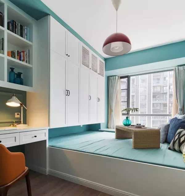 除了上面「书桌+书柜+衣柜+地台床」的标配设计外,还有这些变体
