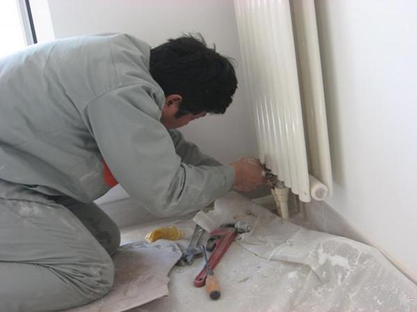 接下来小编就给大家科普一下暖气管道改造的一些注意