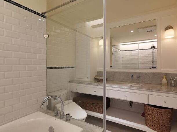 卫生间透光设计效果图