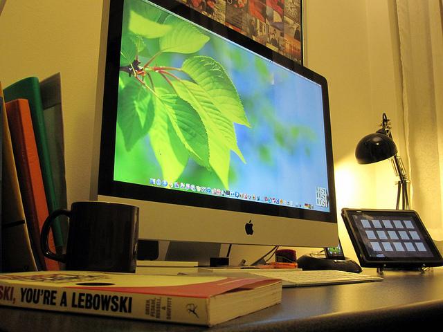 30个国外的办公室工作台装修设计及效果图