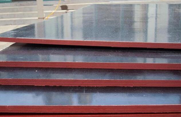 清水模板从根本上优化了木质产品抗潮湿和多水环境里吸水受潮后