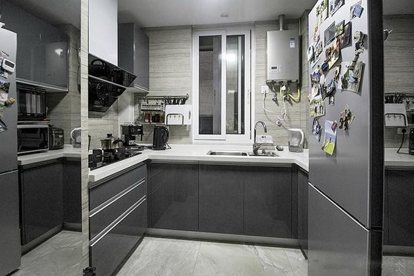轻松打造92�O简约两居室 高端灰的最佳表现