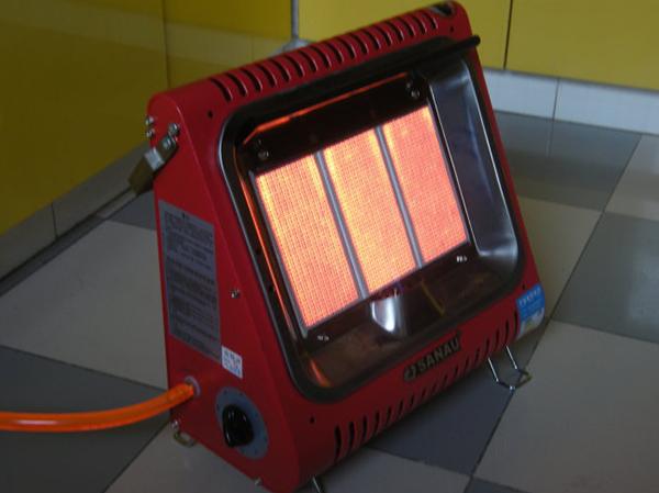 天然气取暖器