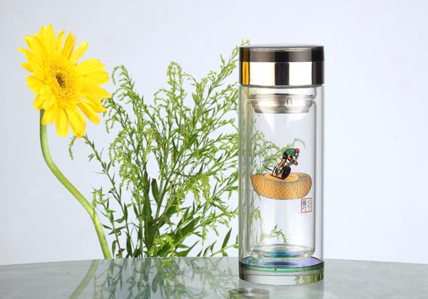 二,什么材质的保温杯比较好——玻璃保温杯