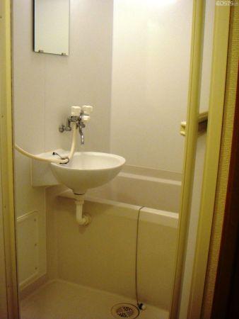 日式小卫生间设计 颇具淳朴淡雅的调调