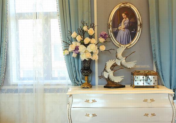作为家居装修装饰物,欧式摆件在众多的摆件风格