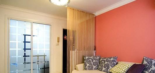 客厅隔断装修效果图:对小户型来说也许打开门就能看见客厅了