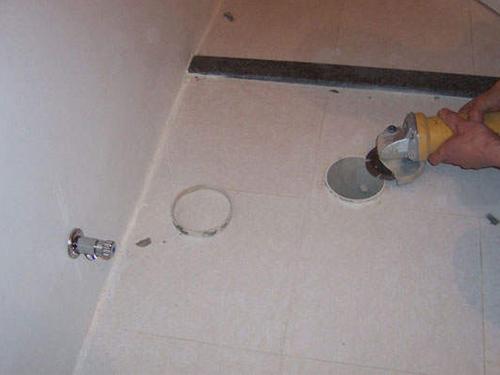 马桶排污管比地面高