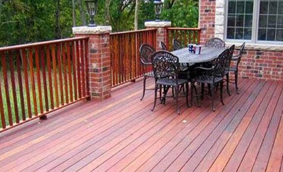 别墅阳台栏杆选择效果图案例