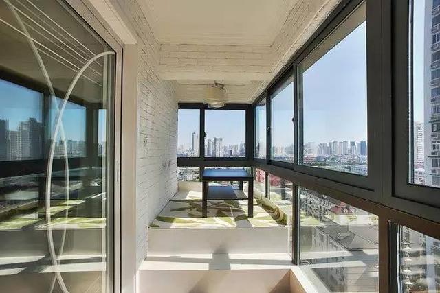 137㎡后现代风三房设计 繁华都市中的那一抹宁静