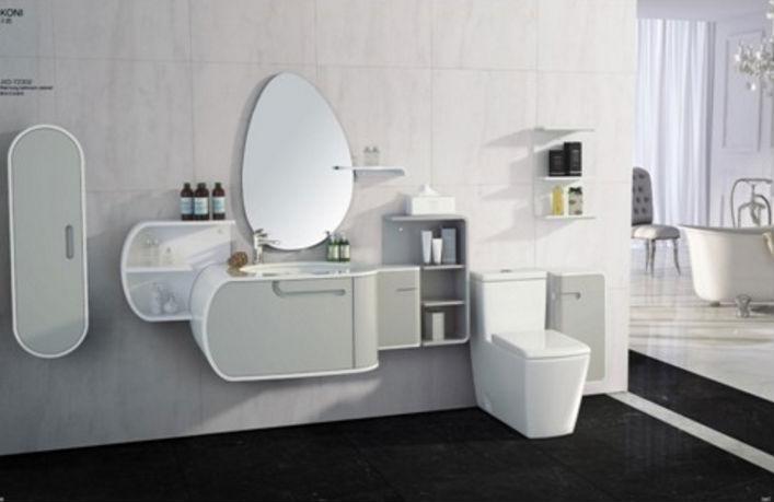 卫浴是一个家庭中不可缺少的一部分,卫浴洁具的选购也关系着卫生间浴室的卫生和舒适度。选择好的卫浴洁具不但能使我们在进行基础清洁的时候获得良好的体验,而且还方便日常对卫浴的清洁和保养。那么卫浴洁具那么多, 要如何来选购呢?下面装修网小编就来系统的介绍一下各类卫浴洁具选购知识。   卫浴洁具系指人们盥洗或洗涤用的器具,用于厕浴间和厨房,如洗面器、座便器、浴缸、洗涤槽等。    卫浴洁具选购一、坐厕类   选购坐厕要注意冲水方式和耗水量。坐厕的冲水方式常见的有直冲式和虹吸式两种。直冲式的坐厕冲水的噪音大而且易