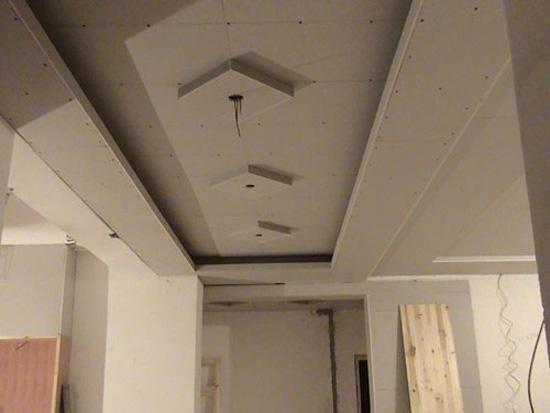 木工制作客厅隔断