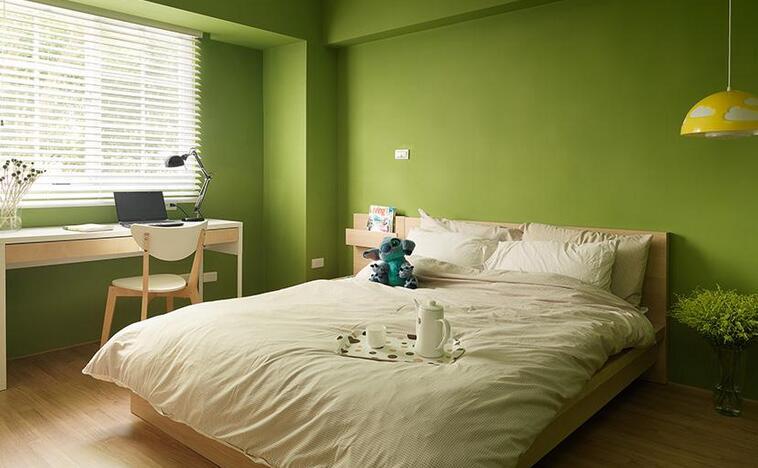 大卧室绿色样板间风格多种多样,而合适你的风格却也许只有一种。你是适合现代简约风格的,适合自己风格的卧室才能让自己住的大卧室绿色样板间舒心放心保持心情愉悦,下面小编介绍几款特别喜欢的大卧室绿色样板间,希望朋友们可以找到最合适自己的哪款大卧室绿色样板间效果图案例吧!