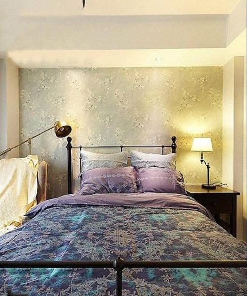 木质的床架质朴温馨,与棉麻撞骗相搭配,让我们每天与自然同眠.