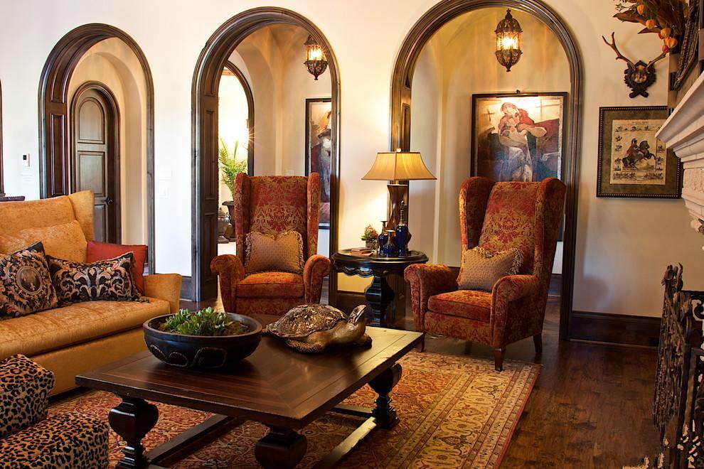 第一、要根据家庭整体风格选择拱门的设计的相关元素 由于拱门的打造相当于家庭的一个过渡区、一个通道,因此需要与家庭的整体环境风格有着较好的协调性。例如如果本来家庭装修风格定位欧式设计的朋友,可以多考虑一下地中海拱门设计或者是罗马柱的加入,这样能够让我们的家庭充满异域风情,让华丽的雕花在细节之处装点我们的生活。