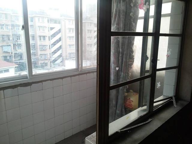 如果不注重,会存在很多的安全隐患,那么老房子阳台改造装修,需要注意