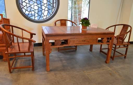 装修保障网 装修学堂 维修保养 红木家具用什么擦 红木家具日常清洁和