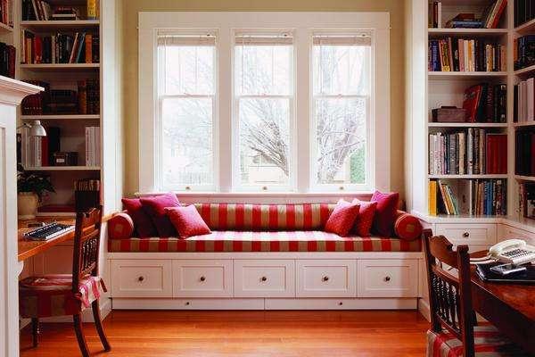 不管是飘窗 书柜 书桌的一体设计,还是单独摆放书桌,都很棒!