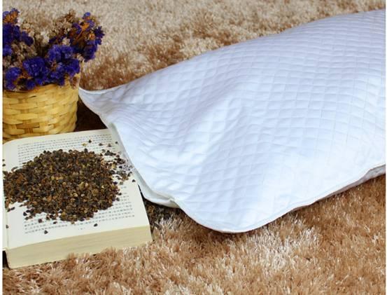 荞麦壳如何清洗_相信大家都会有一个疑惑就是枕头里的荞麦皮如何清洗?