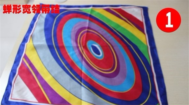 【图】工作服丝巾的系法 工作服丝巾的系法图解