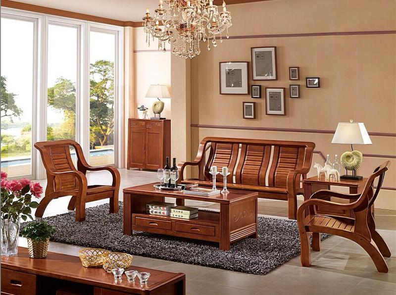 让你的客厅更加舒适       选择木制沙发时,就要注意查看木材的原料