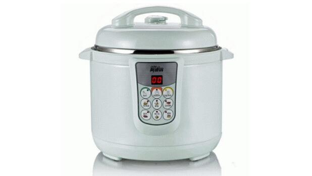 3、功能   1)一锅多用:阿迪锅集合了电压力锅、电饭锅、焖烧锅于一体的锅具,可以很好的方便了人们。   2)营养不流失:阿迪锅在炖煲食物时,不加水也可以出汤,因此很好的保留了食物的营养。   3)省时省电:阿迪锅在煲汤、炖食物中比电压力锅等的时间还要短。   4、微压工作原理   为什么在微压的环境中工作,会给人非常不一样的感觉呢?