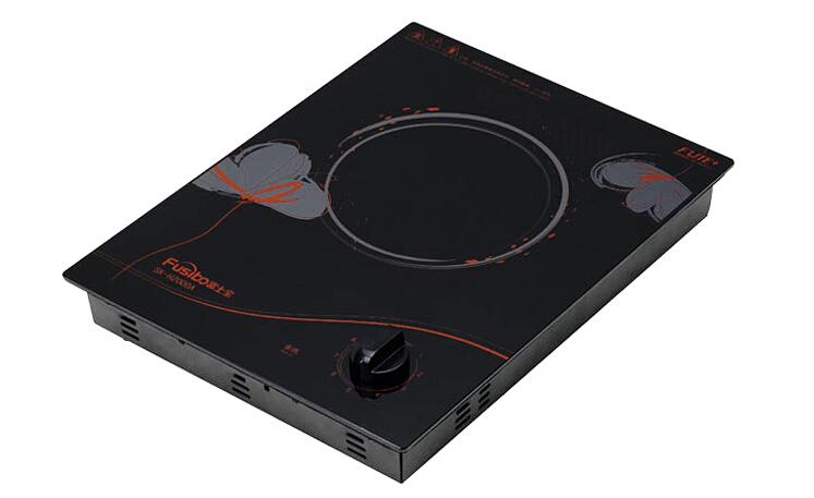 电磁炉不检锅维修:   显示E0(电磁炉不检锅代码)   1、有轻微嗒嗒声   1)互感器T次级是否开路,正常的次级阻值是605。   2)D10、D12、D13、D14(IN4148)轻微漏电,内部颜色变白。   3)C14、C15两只红色涤纶电容漏电,拆下后用指针万用表RX10K档测量两引脚,如指针有摆动,有阻值,说明轻微短路,不能使用。   4)芯片无功率输出信号,更换芯片。   2、无轻微嗒嗒声   1)IGBT的G极稳压管Z2负极是否为0V,若高于0V为Q6,Q7坏。   2)
