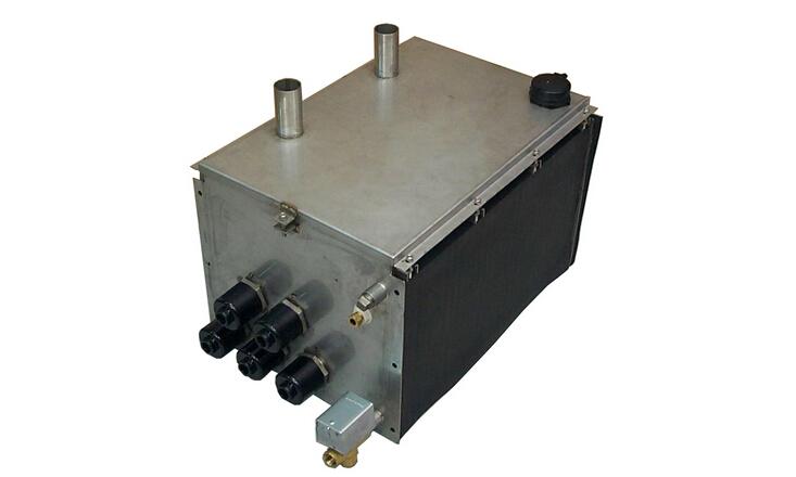 二、瑞士康迪电热加湿器MK5   加湿能力线性可调:根据需要,可提供5-80公斤/小时的10个等级规格的额定加湿量,每个规格的加湿量在0-100%范围内精确地线性控制。   安装简单:结构紧凑,安装简单。壳体的钢性支座在安装运输过程中提供额外的安全保护。   适合任何水质:采用电阻加热原理,对水质没有特殊要求,用户可根据现场情况使用自来水、软化水或完全去离子水。   内置恒温系统:确保mk5迅速达到所需加湿量。   控制精确:MK5使用高精度控制,控制精确。使用完全去离子水时,控制精度可达1%RH。