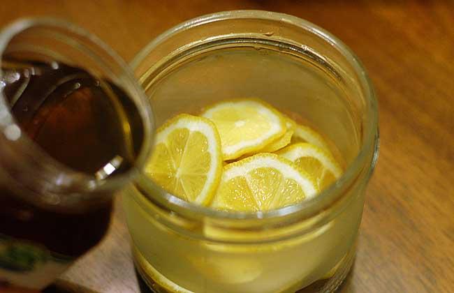 【图】美女水减肥法是真的蜂蜜水减肥法的胸大蜂蜜瘦图片